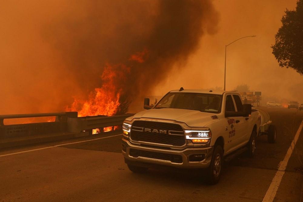 California'da yangınlar kontrol altına alınamadı: Bir helikopter düştü - 12