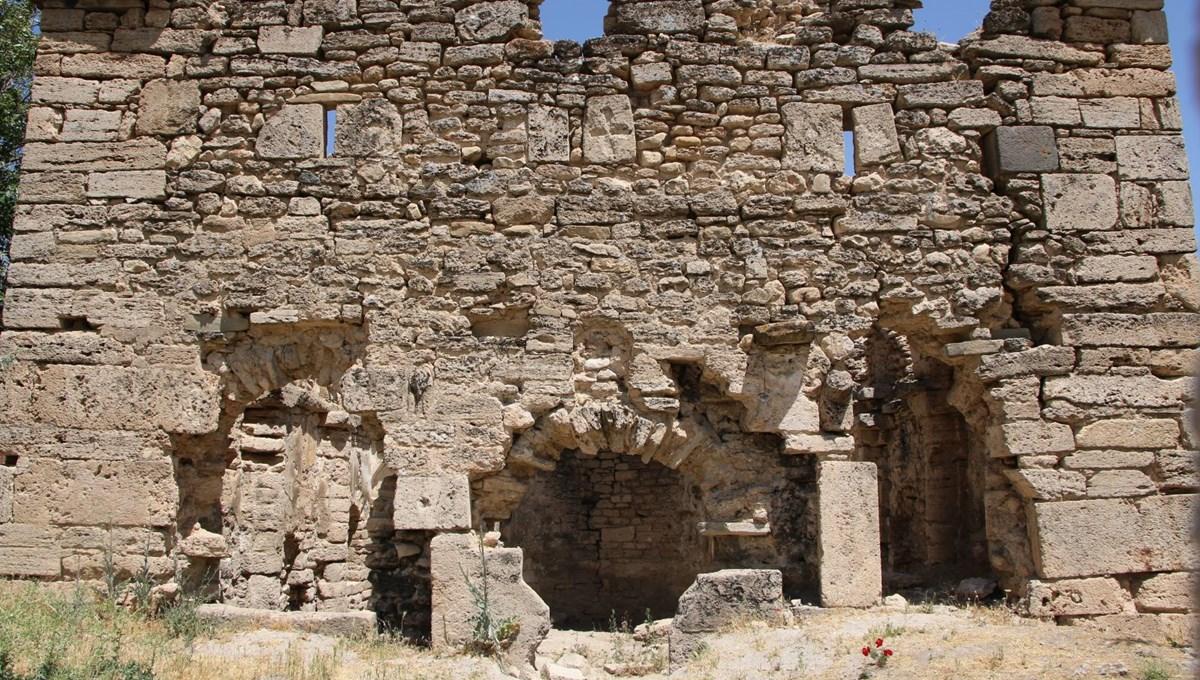 Ekinözü Köyü 6 tescilli yapı ile dikkat çekiyor