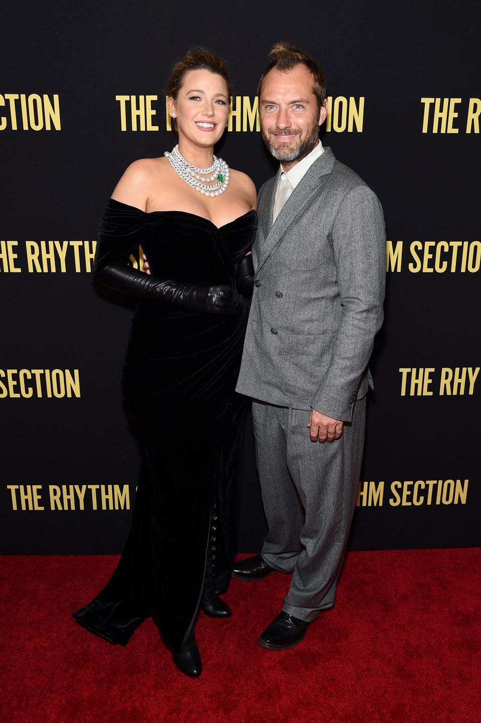 Başrol oyuncuları Blake Lively ve Jude Law