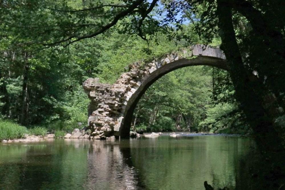 İki ülkeyi birleştiren Osmanlı köprüsü - 4