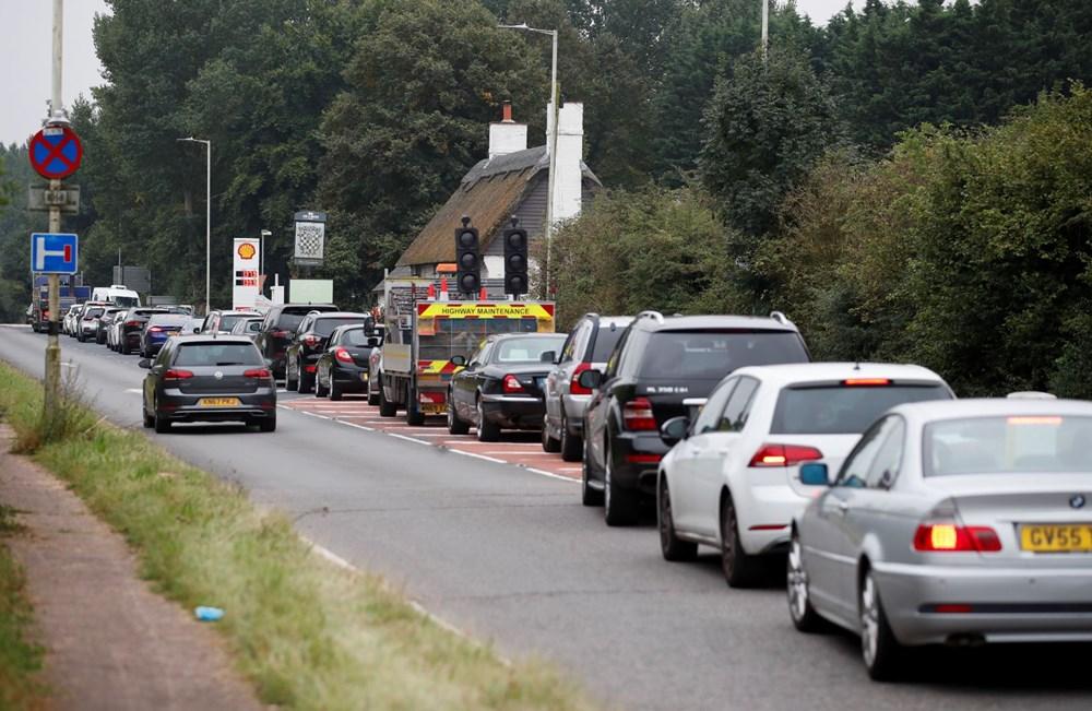 İngiltere'de yakıt krizi giderek büyüyor - 7