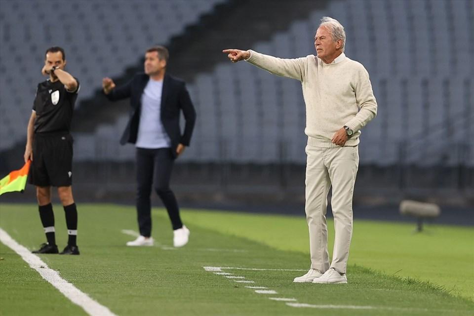 Altay teknik direktörü Mustafa Denizli