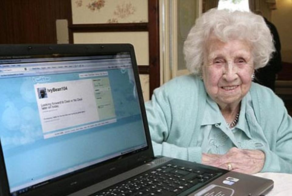 En yaşlı üye Ivy Bean, geçen Temmuz'da vefat ederek koltuğunu Lowe'a bıraktı.