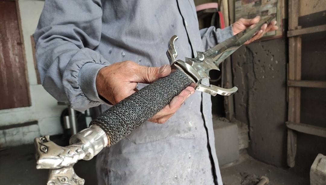Binlerce yıllık teknikle yapılan bıçak ve kılıçlara yoğun ilgi thumbnail