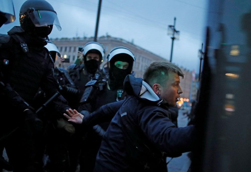 Rusya'da Navalni protestolarında gözaltı sayısı bin 400'ü aştı - 6