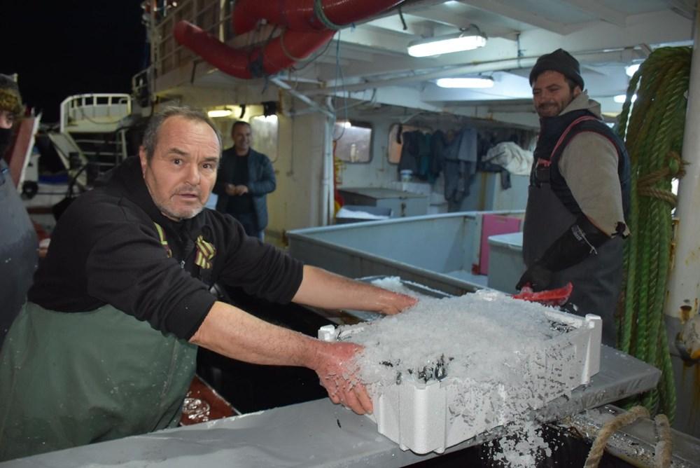 Balıkçılardan hamsi avının serbest olduğu İğneada'ya akın - 12