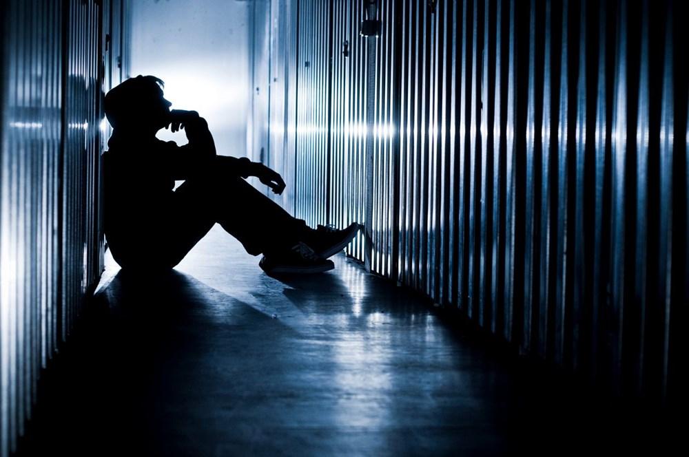 Araştırma: Çocukları ve ergenleri intihara sürükleyen 8 internet deneyimi - 2