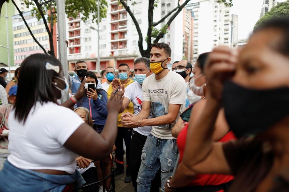 Venezuela'da aşılama başladı: 400 metre kuyruk - 3