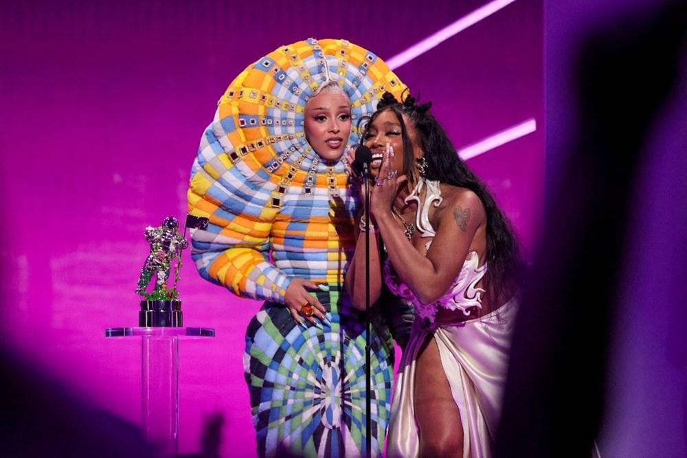 2021 MTV Video Müzik Ödülleri sahiplerini buldu - 9