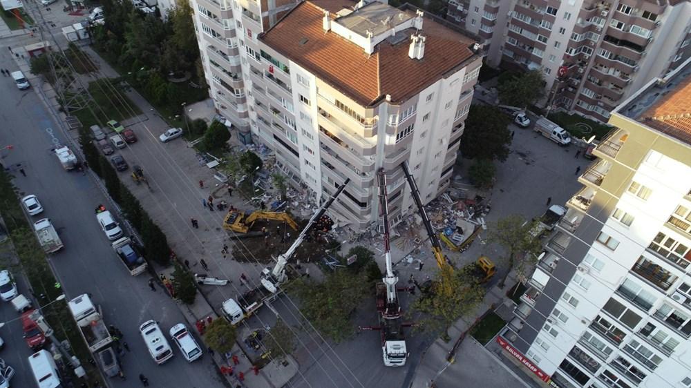 Depremde ilk 3 katı çöküp yan yatan bina, vinçlerle desteklendi - 2