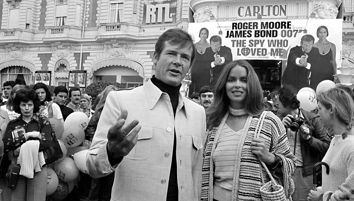 James Bond'a (Roger Moore) Stasi takibi