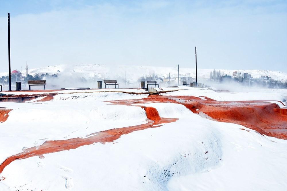 Sivas Altınkale'de buz ve ateşin karşılaşması! 45 derece su, 50 metre sonra buz tutuyor - 2