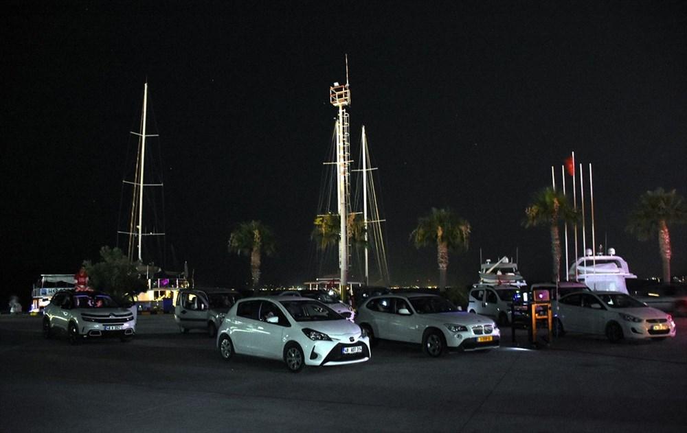 Bodrum'da arabada ve teknede sinema keyfi