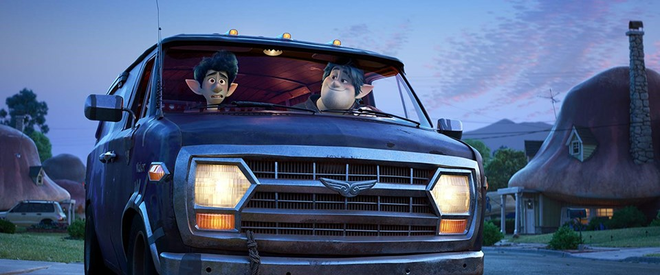 Hadi Gidelim'de Tom Holland ve Chris Pratt'in seslendirdiği karakterler
