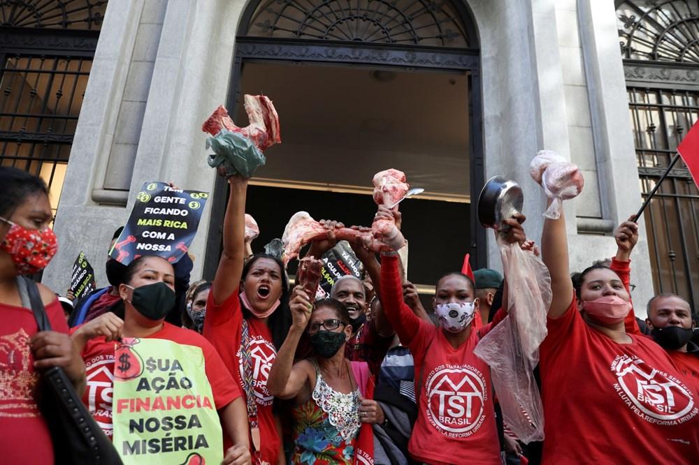 Ekonomik eşitsizliği protesto eden halk Brezilya'da borsa bastı: Yüz milyon kişi açken, milyar dolarlar kazanmanızı kabul etmiyoruz - 9