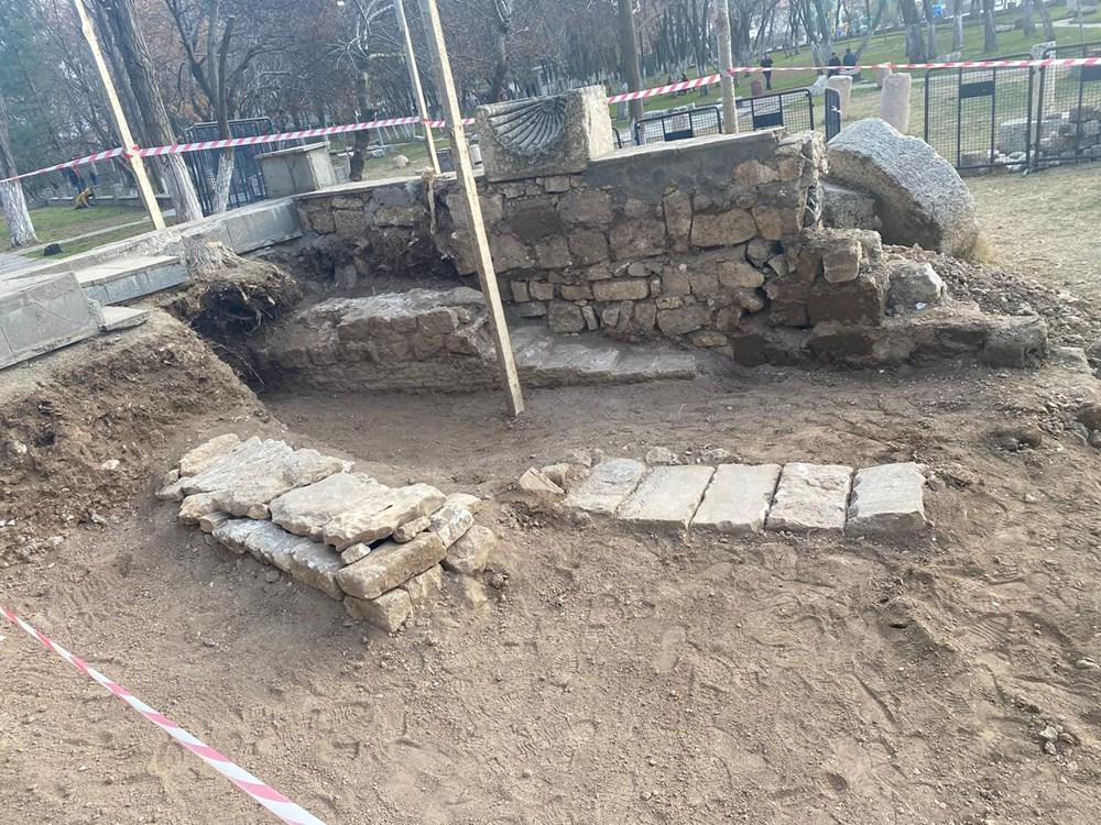 """""""Kılıçarslan'ın mezarının bulunmasında İbnü'l Ezrak, en önemli kaynak"""" - 2"""