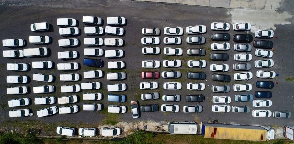 Servet değerindeki otomobiller çürümeye terk edildi - 7