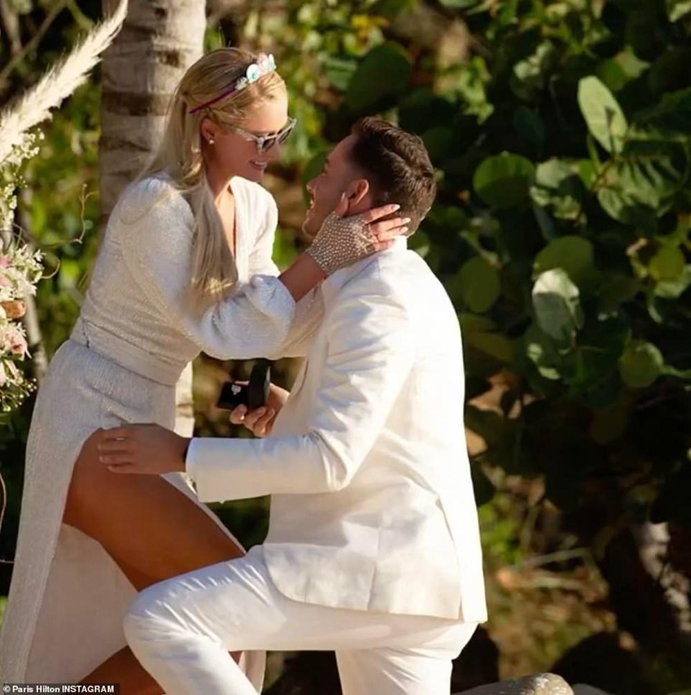 Paris Hilton doğum gününde nişanlandı - 2