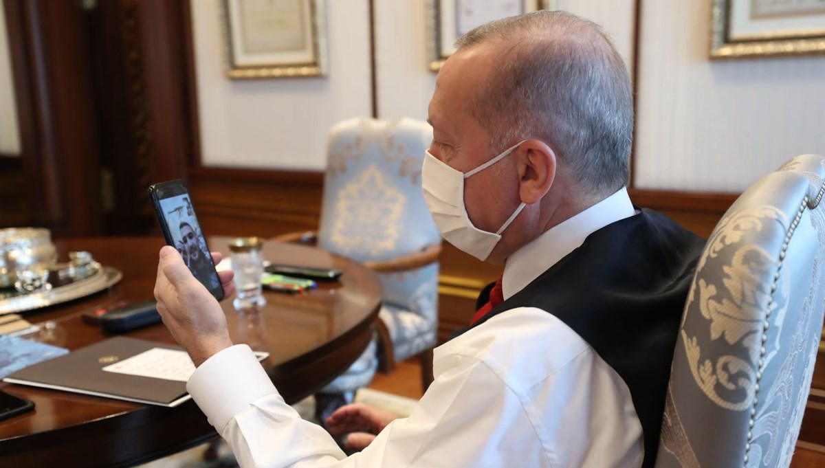 SON DAKİKA HABERİ: Cumhurbaşkanı Erdoğan, Viyana'da yaralıların yardımına koşan Türklerle görüştü