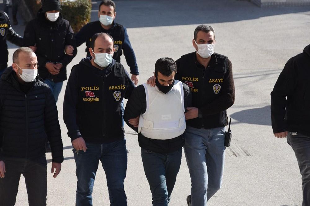 Eskişehir'de aile katliamı: Katil zanlısının PKK'lı teröristlerin mezarlığında fotoğrafı çıktı - 13