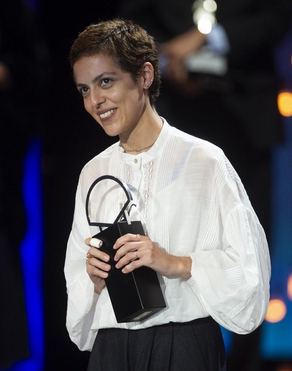 Dea Kulumbegashvili, Altın İstiridye kazanan üçüncü kadın yönetmen oldu.