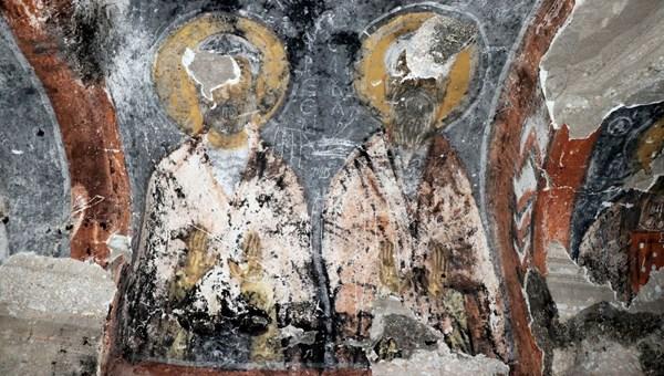 Defineciler Beşaret Kaya Kilisesi'ni talan etti