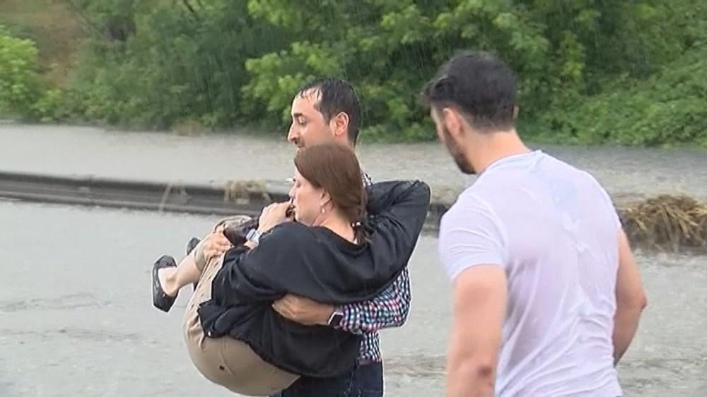 İstanbul'da şiddetli yağış ve dolu - 11