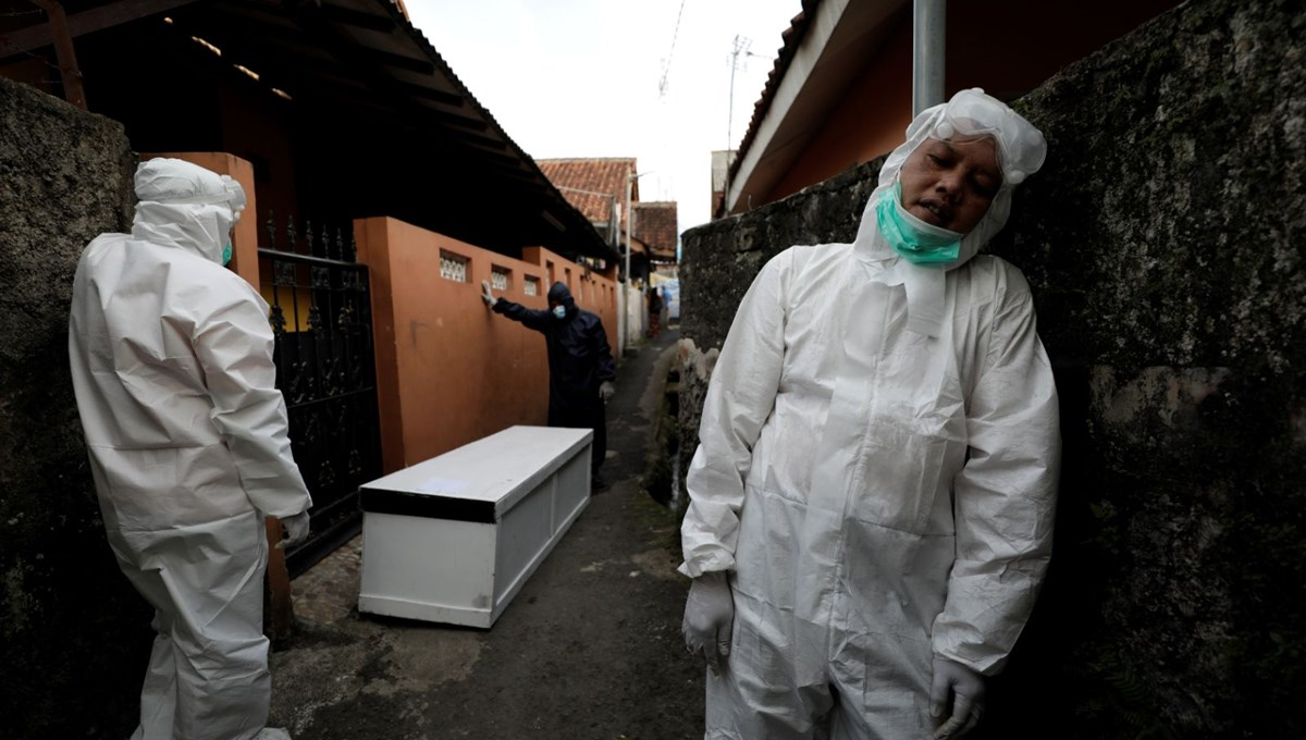 Covid-19 salgının merkezi Endonezya'ya kaydı: Yeni vakaların sayısı Brezilya ve Hindistan'ı geçti
