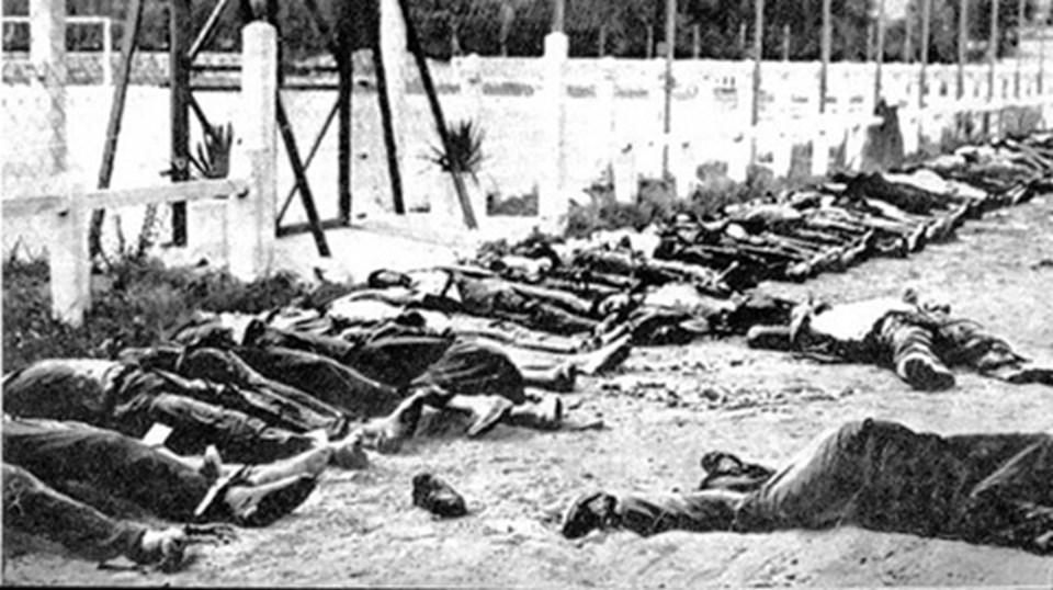 Hama katliamında binlerce kişi ölmüştü.