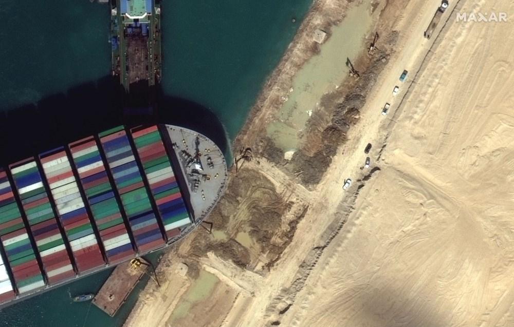 Süveyş Kanalı 7. günde kısmen açıldı: Evergreen şirketine ait  Ever Given gemisi yüzdürüldü - 1