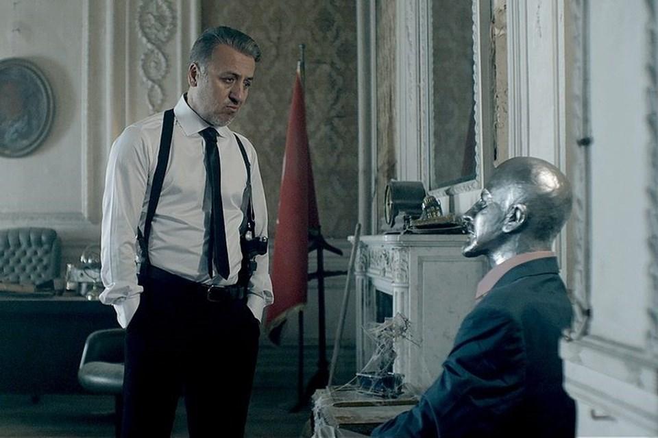 Ulusal yarışmada adaylardanSen Ben Lenin'in yönetmenliğiniTufan Taştan üstlendi.