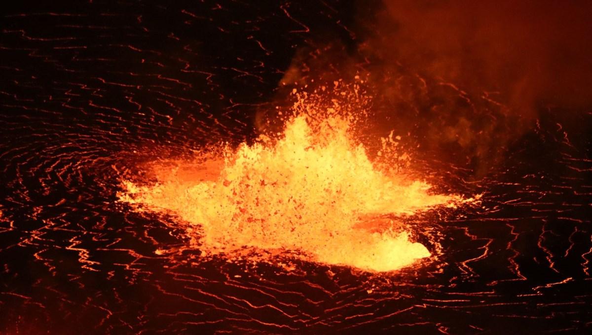 Hawaii'de Kilauea yanardağı patladı, parkta lav fıskiyesi oluştu