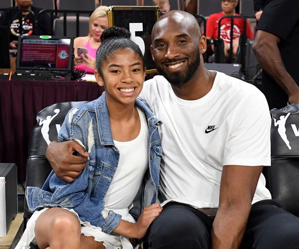 Kobe Bryant, helikopter kazasında 13 yaşındaki kızı Gianna ile birlikte hayatını kaybetti.