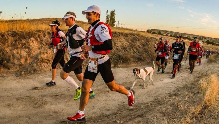 Kapadokya'nın kalbinde eşsiz bir koşu deneyimi: Salomon Cappadocia Ultra-Trail (19-20 ekim 2019)