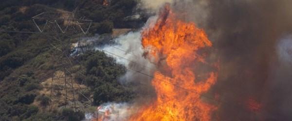 California'da orman yangınlarına karşı zorunlu elektrik kesintisi