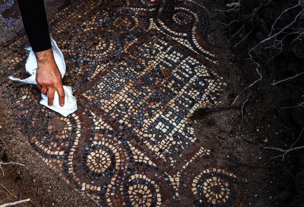 İzmir'de kaçak kazı sırasında manastır ve 1500 yıllık mozaik bulundu - 8