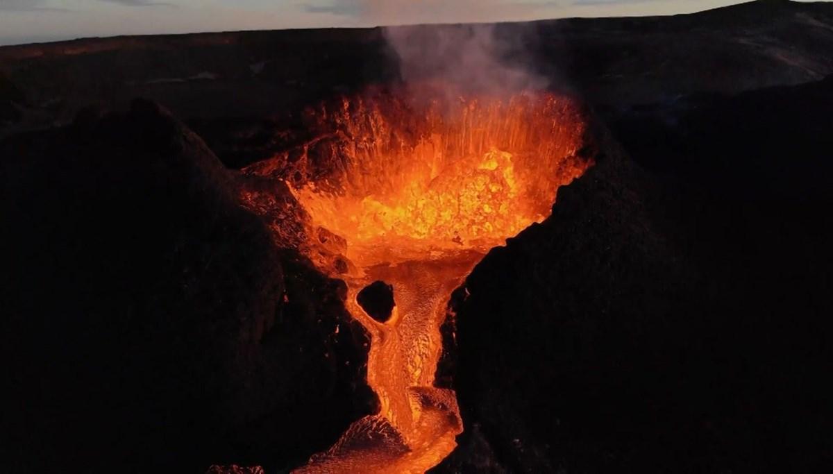 Endonezya ve İzlanda'da volkan alarmı