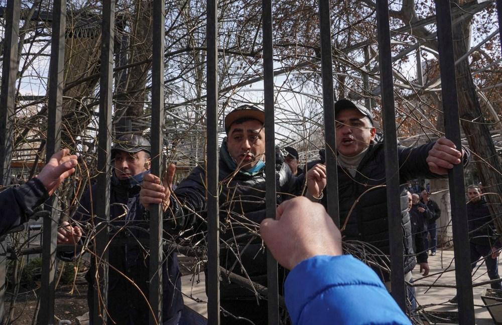 Ermenistan'da darbe girişimi: Paşinyan destekçileri ve karşıtları meydanlara çıktı - 3