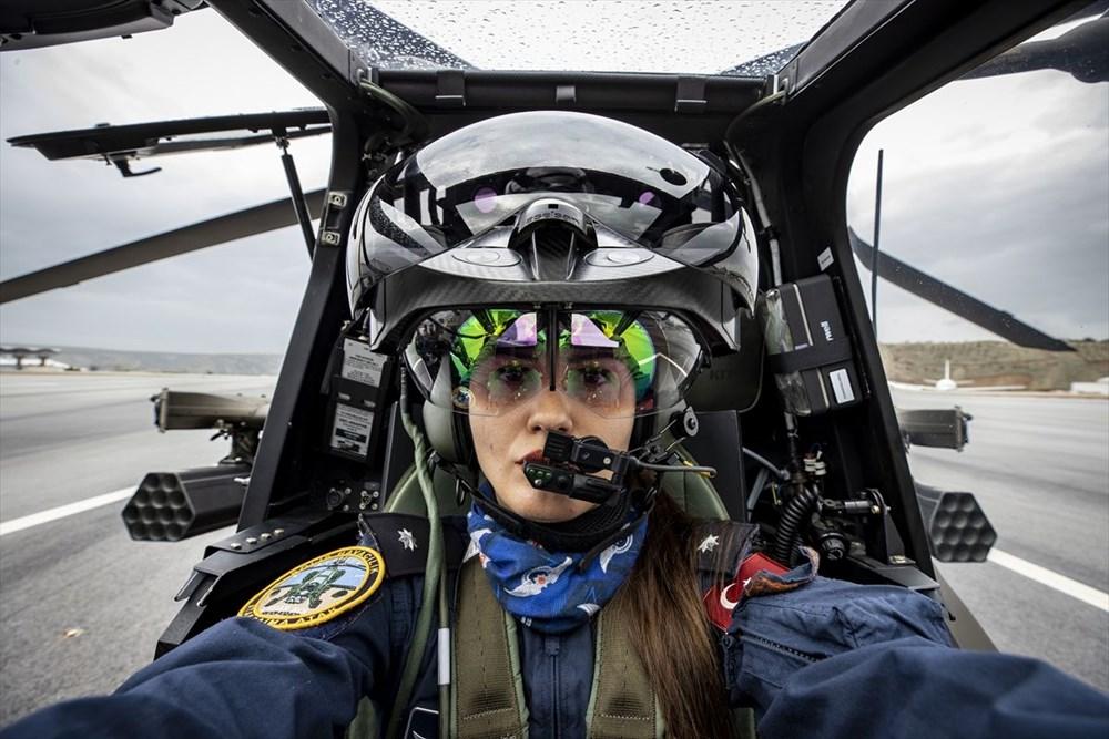 Türkiye'nin ilk kadın taarruz helikopter pilotu - 1