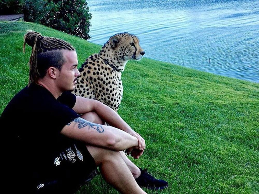 İşinden ayrılıp sahip olduğu her şeyi sattı ve vahşi hayvanlara yardım etmek için Afrika'ya yerleşti - 18