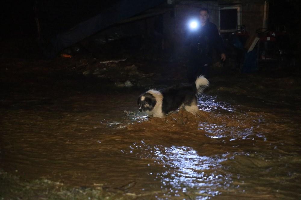 Düzce'de dere taştı, yol çöktü: Kentte sağanak etkili oldu - 18