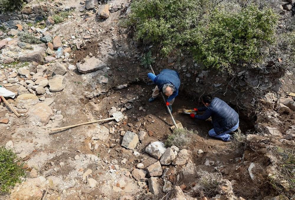 İzmir'de kaçak kazı sırasında manastır ve 1500 yıllık mozaik bulundu - 10