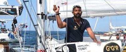 Yaralı denizci okyanusun ortasında kurtarılmayı bekliyor