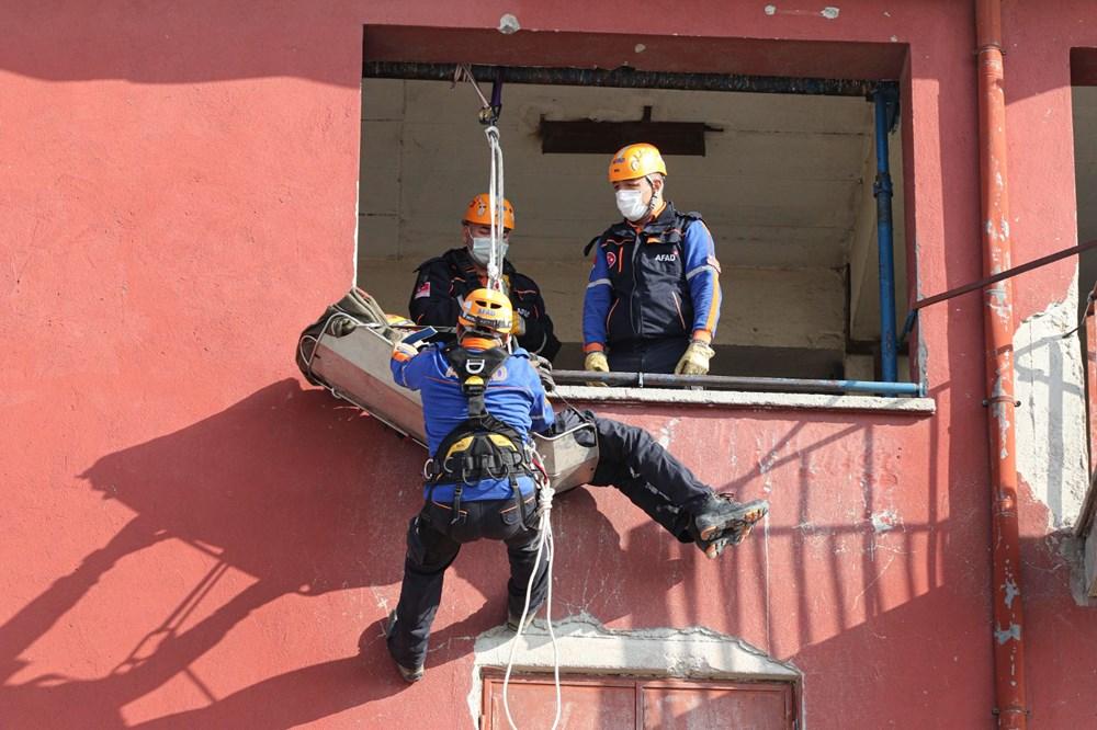 İzmir depremi kahramanlarının zorlu eğitimi (AFAD gönüllüsü nasıl olunur?) - 3