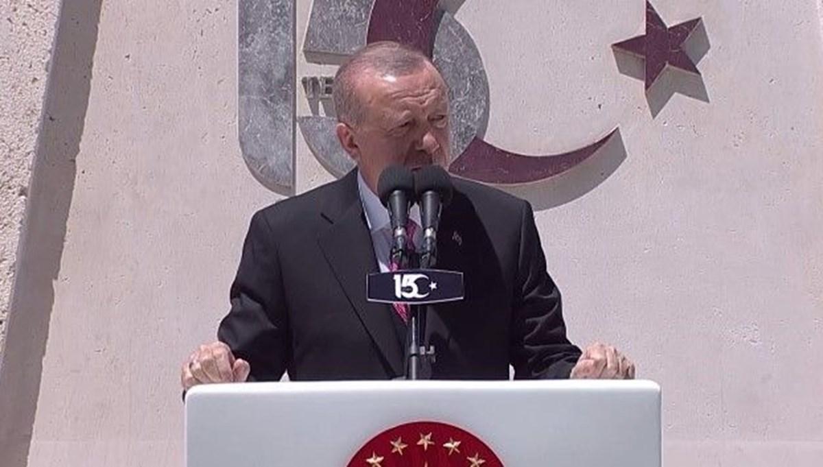 Cumhurbaşkanı Erdoğan: 15 Temmuz gecesi tankları durduran cesaret abidelerinin hakkını ödeyemeyiz