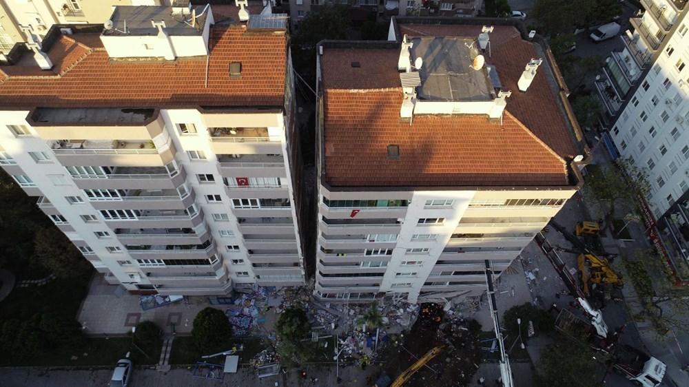 Depremde ilk 3 katı çöküp yan yatan bina, vinçlerle desteklendi - 3
