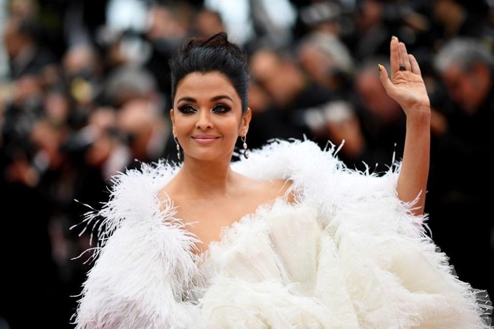 Bollywood'un ünlü oyuncusu Aishwarya Rai ve 8 yaşındaki kızı corona virüse yakalandı (Corona olan ünlü isimler) - 1