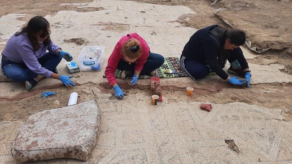 İznik'te Hisardere kazılarında iki lahit bulundu: Mumyalanmış 3 iskelet - 2