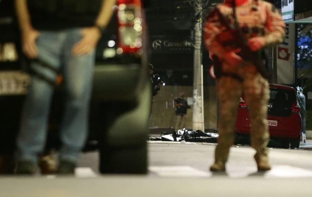 Brezilya'da savaş gibi banka soygunu: 30 kişi geldiler - 11