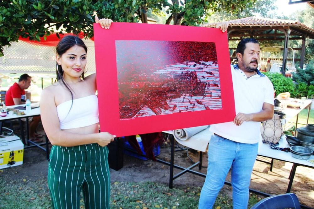 Şarkıcı Bora Gencer Devrim Erbil'in tablosunu aldı - 5
